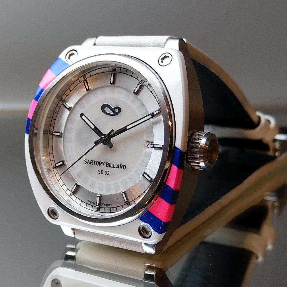 montre sur mesure blanche et rose , bespoke watch