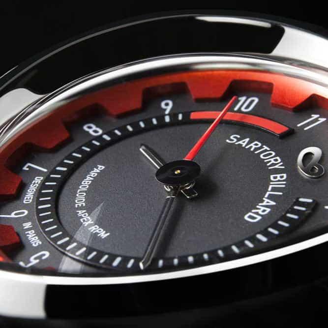 aiguille de montre rouge