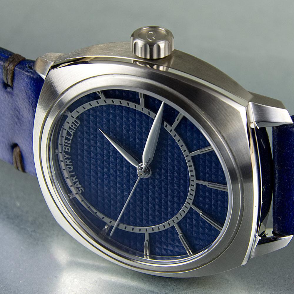 blue dial watch, montre cadran bleu